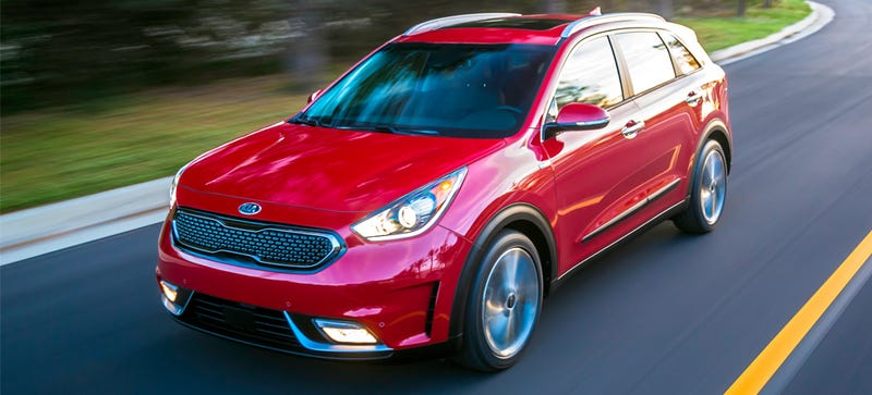 Illustration for article titled The 2017 Kia Niro Will Teach You To Drive Smoother