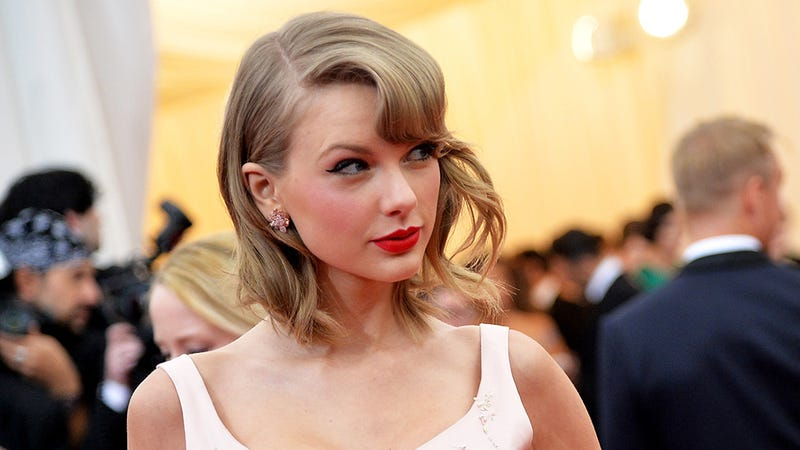 Illustration for article titled Does Taylor Swift Have An Evil Twin She's Been Hiding in Japan?