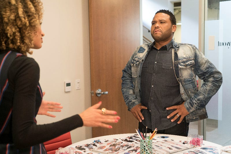 Teen Vogue Editor Elaine Welteroth and Anthony Anderson as Dre in a scene from Black-ishEric McCandless/ABC