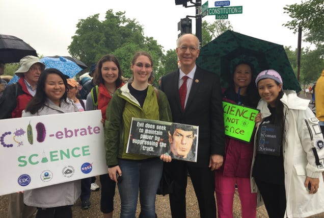 Bill Foster (middle) stands for a photo with a group of science marchers on the National Mall. Image: Mary Werden