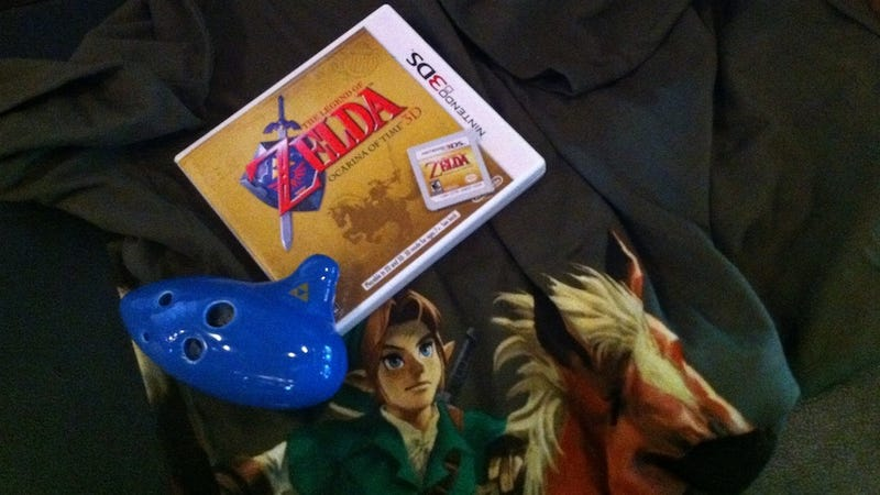 Illustration for article titled Nope, the Zelda 3DS Cartridge Isn't Painted Gold