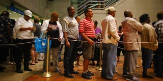 Florida residents line up to vote early. (Joe Raedle/Getty Images)