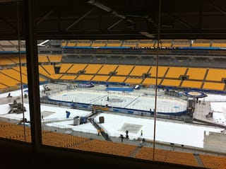 Illustration for article titled NHL Winter Classic Report: HOCKEY!
