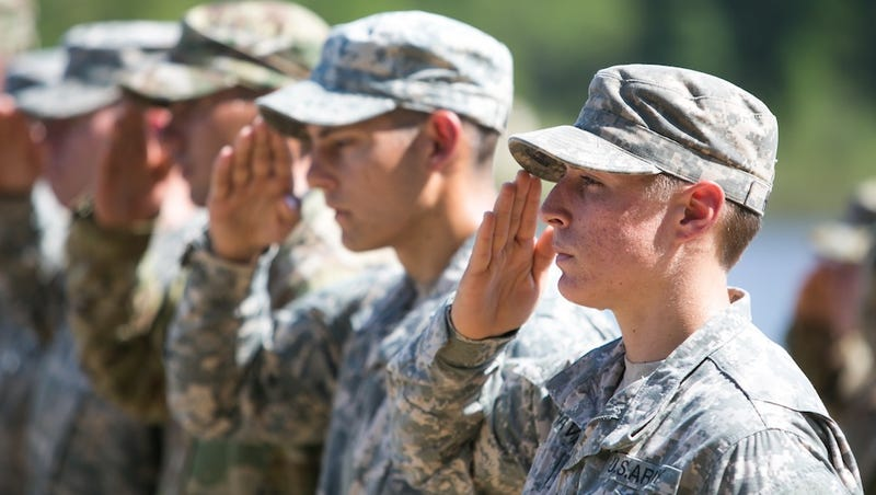 Illustration for article titled Army Ranger School Officially Opens to Female Soldiers