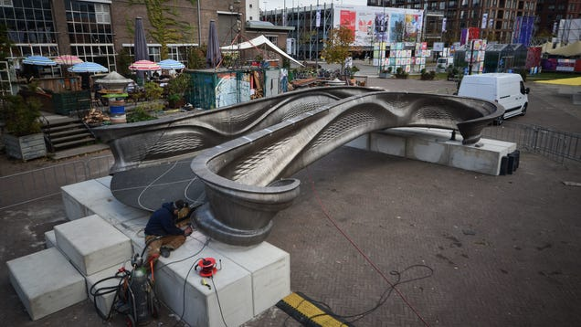These New Photos of the World s First 3D-Printed Steel Bridge Are Stunning