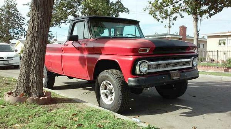 Illustration for article titled For $4,900, This 1965 C-10 Could Be Your New Year's Evil