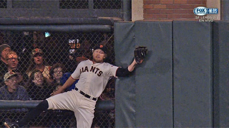 Illustration for article titled Hunter Pence Slams Into Fence To Rob Jayson Werth Of A Hit