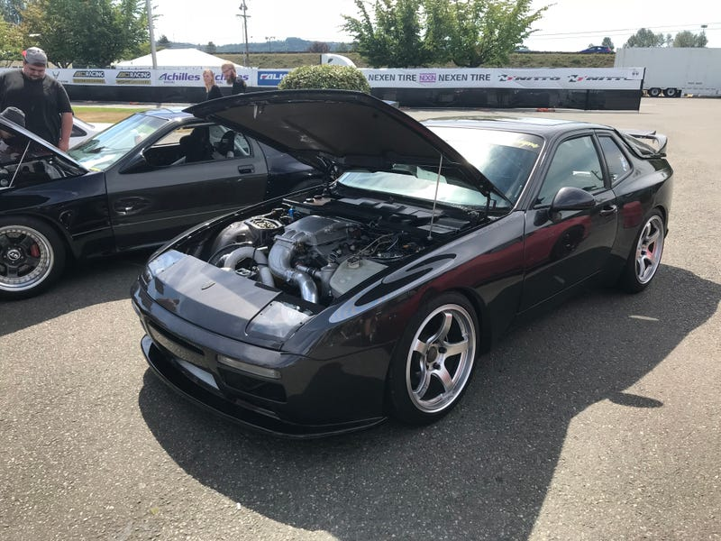 Illustration for article titled The weirdest thing I saw at Formula Drift was this Mazda Swapped Porsche