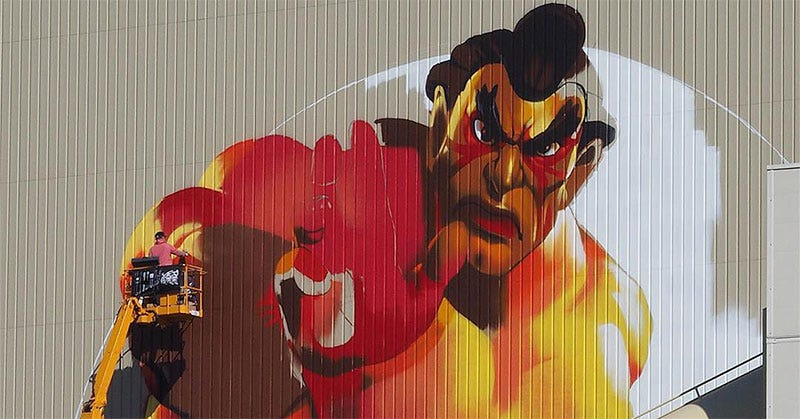 Illustration for article titled Giant Street Fighter Graffiti Covers Tokyo Building