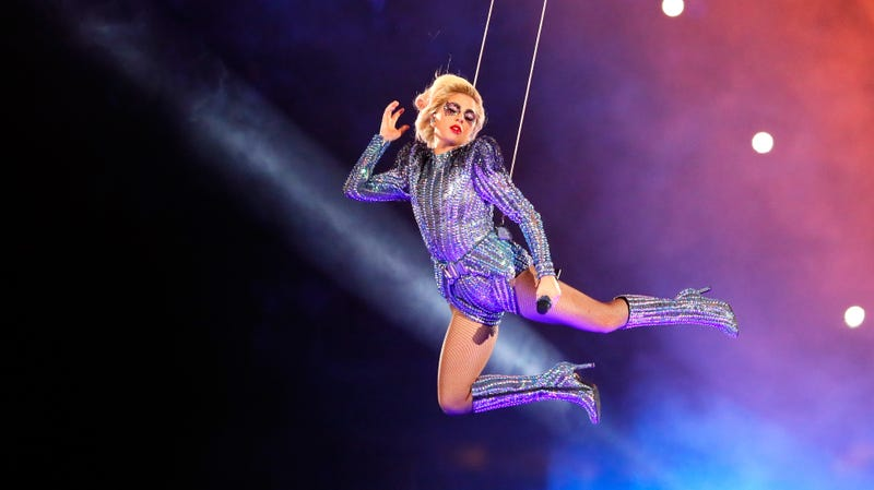 Lady Gaga basically doing some Bayonetta cosplay at the Super Bowl
