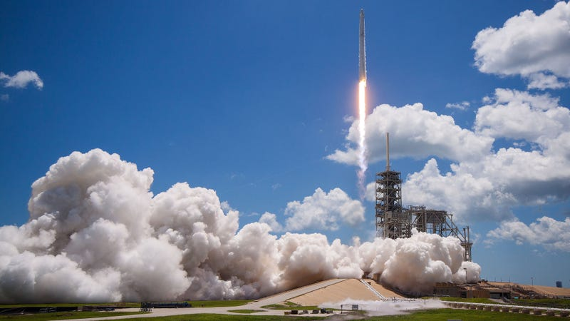 SpaceX and NASA Delay Historic Reusable Rocket ISS Launch