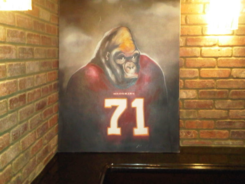 Illustration for article titled Trent Williams Owns A Painting Of Himself As A Gorilla, Because Of Course He Does