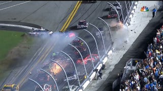 Daytona Finish Features Mass