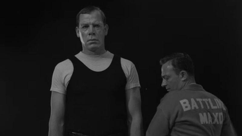 Lee Marvin (left), Joe Mantell