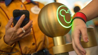Illustration for article titled Will a No-Money, Wireless-Payment System Make Disney World More Magical?