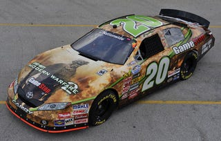 Illustration for article titled Modern Warfare 2 Deployed To NASCAR Paint Job