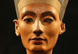 "Illustration for article titled Nefertiti Had ""Ancient Equivalent Of Photoshop Airbrushing"""
