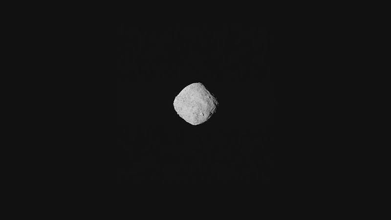 Illustration for article titled NASA's OSIRIS-REx Spacecraft Captures Stunning View of Asteroid Bennu Ahead of Arrival