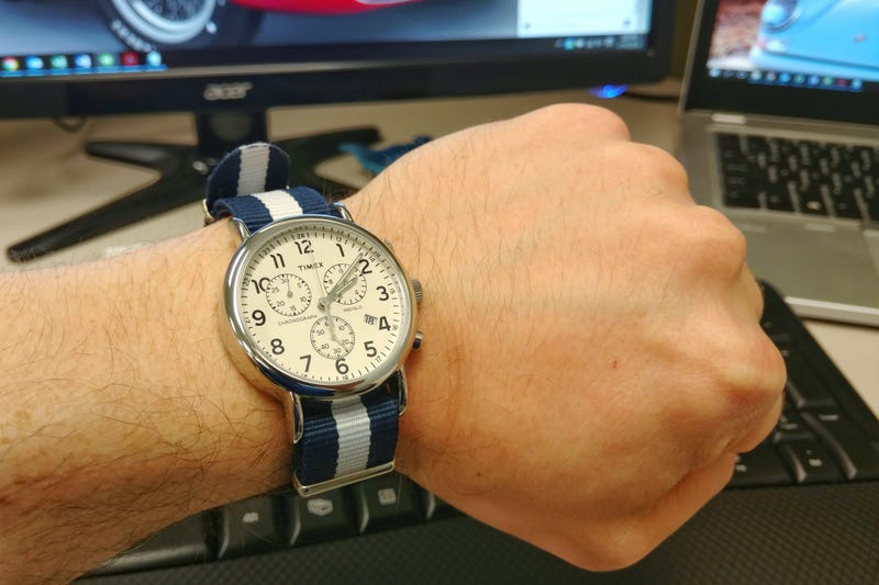 Illustration for article titled Is this watch strap some kind of racing livery?