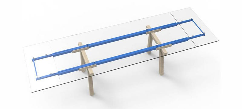 Illustration for article titled This Extending Table Puts Its Workings on Full Display