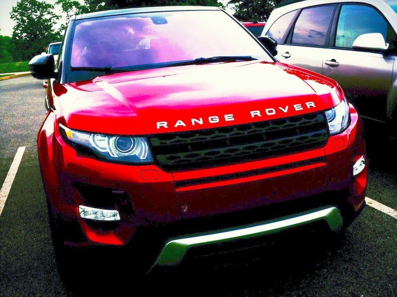 Illustration for article titled I love the Range Rover Evoque.
