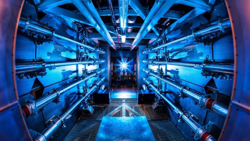 En el Laboratorio Nacional Lawrence Livermore se realizaron los primeros experimentos de fusión nuclear