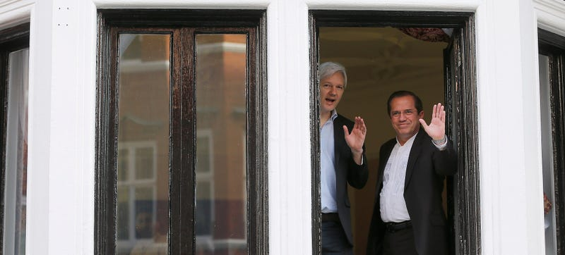 Illustration for article titled BBC: UN Panel Believes Julian Assange Was 'Unlawfully Detained'
