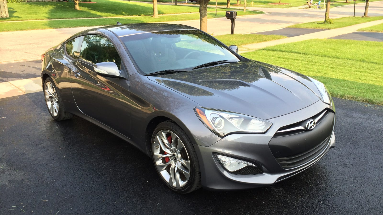 2014 hyundai genesis coupe 3 8 r spec the oppositelock review. Black Bedroom Furniture Sets. Home Design Ideas