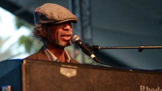 Illustration for article titled Gil Scott-Heron Dies At 62