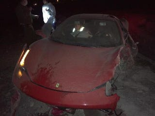 Illustration for article titled Arturo Vidal Totaled His Ferrari In Suspected Drunk Driving Accident