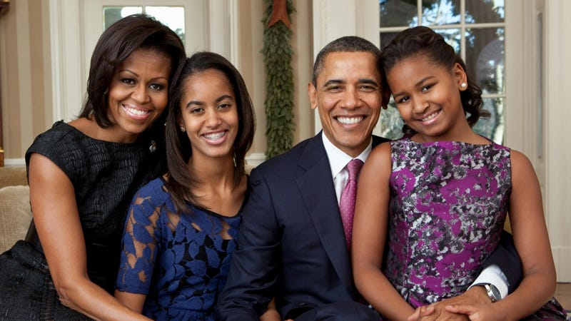 Illustration for article titled Was It Inappropriate for Obama to Call His Daughters Beautiful During His Victory Speech? Nah.