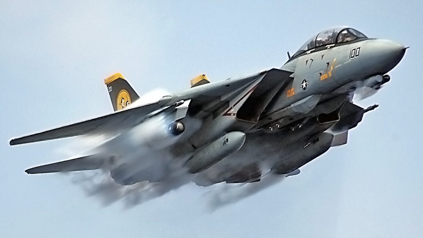 Elite F 14 Flight Officer Explains Why The Tomcat Was So Influential Super Short Circuits Flown With An Rc Model Plane Richard Youtube