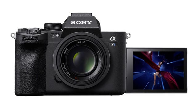 The Sony A7SIII Looks Like It s About to Dominate the Full-Frame Mirrorless Cam Market
