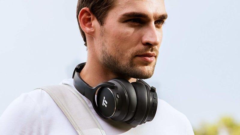 Auriculares TapTronics Bluetooth con cancelación de ruido | $38 | Amazon | Usa el código KINKAL40Foto: Amazon
