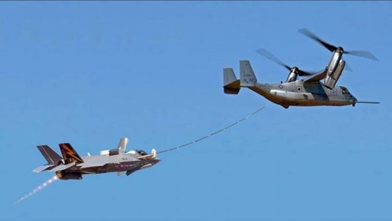 Illustration for article titled In-Air Fueling Turns the V-22 Osprey Into One Badass Mama Bird