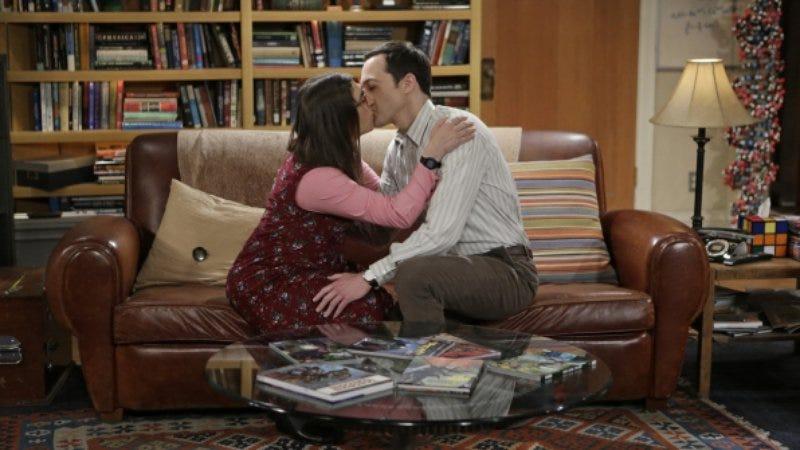 Illustration for article titled  The Big Bang Theory kisses this season goodbye
