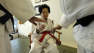 Illustration for article titled 98-Year-Old Woman Reaches Judo's Highest Rank