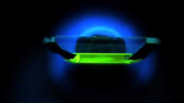 Weird New Quantum Diamonds Offer Hope for a Quantum Internet
