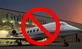 Illustration for article titled Not-So-Big Three Automakers Take Corporate Jets To Beg For Money From Congress