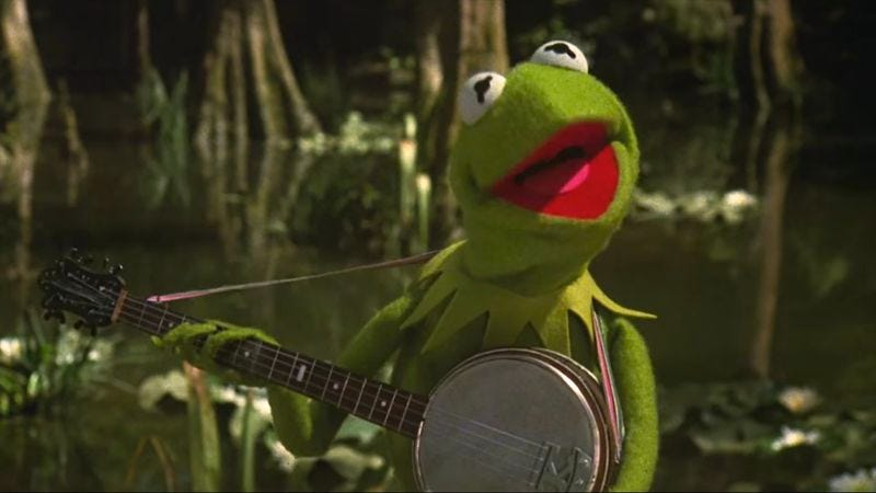 "Illustration for article titled Kermit serenades Miss Piggy with Bryan Adams' ""You Belong To Me"""