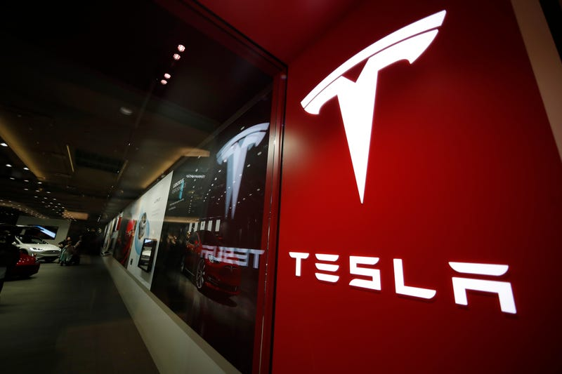 Tesla Employees Call 'Bullshit' On Online Sales Claims Amid