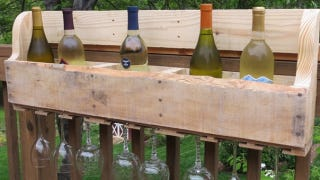 Illustration for article titled Show Off Your Wine Collection with a Pallet
