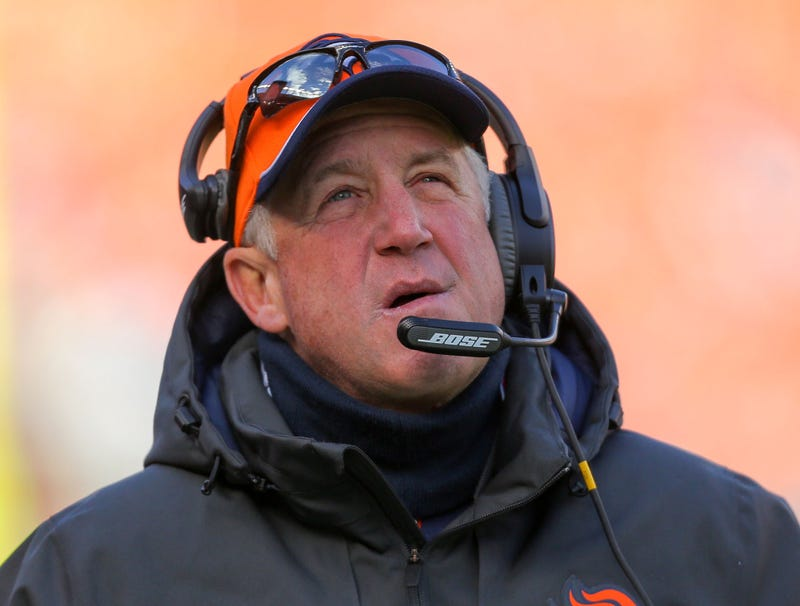 Illustration for article titled Broncos Players Claim They'll Really Miss John Fox's Air Of Utter Confusion
