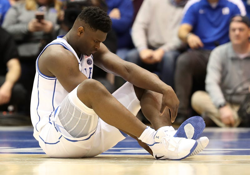 Illustration for article titled Zion Williamson's Knee Is 'Stable,' But He Should Pack It In Anyway
