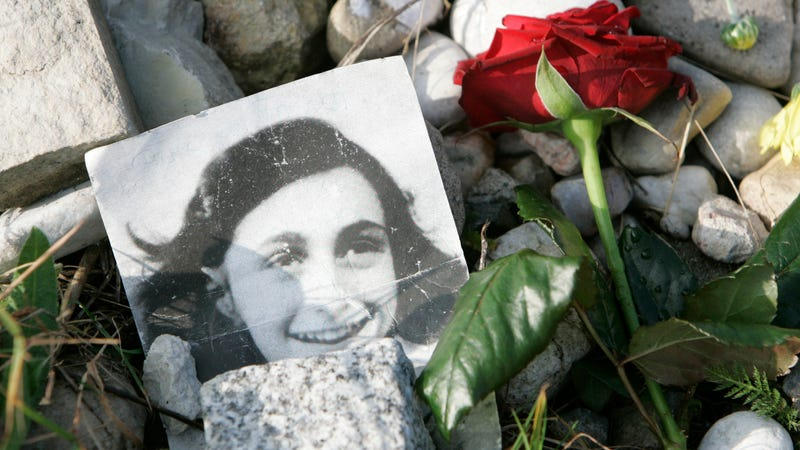 Illustration for article titled Anne Frank's Letter to Her American Pen Pal Will Be Displayed in Iowa