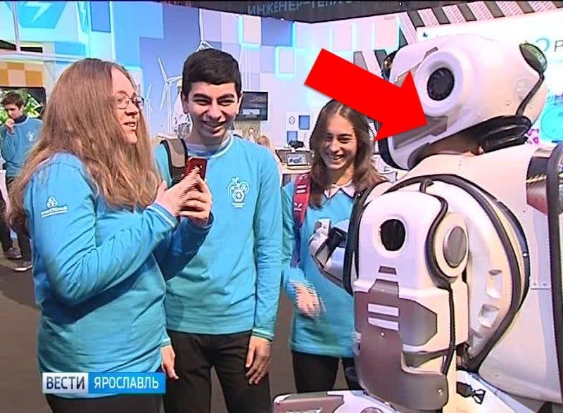 gizmodo.com - Matt Novak - Russian State TV Shows Off 'Robot' That's Actually a Man in a Robot Suit