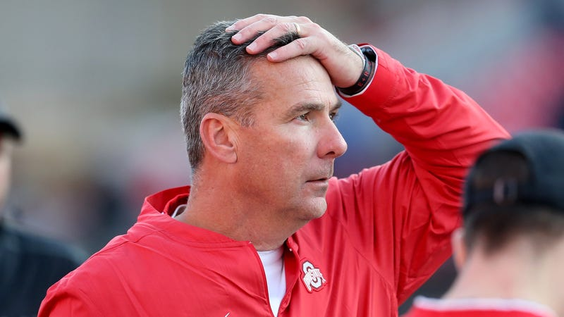 Illustration for article titled Gus Johnson Worked Obscenely Hard To Redeem Urban Meyer