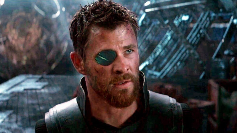 Illustration for article titled Forjar el nuevo martillo de Thor en la vida real es casi tan doloroso como en Avengers: Infinity War