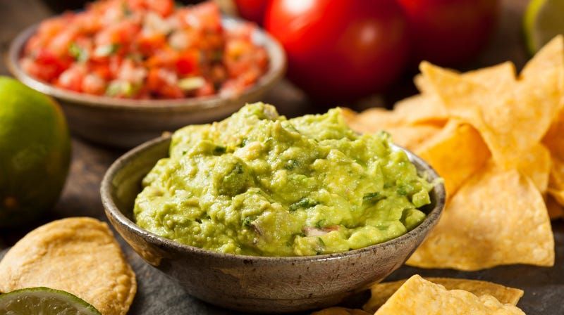 Illustration for article titled Rising avocado prices force devious restaurants to thin guacamole with squash