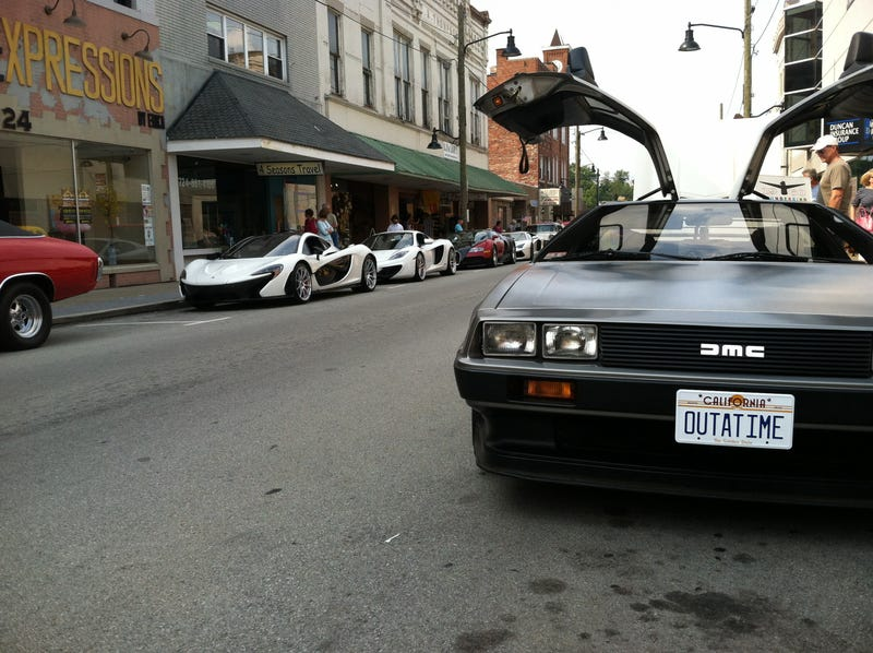 Illustration for article titled A Delorean, a P1, a MP4-12C, a Veyron, and a Lamborghini made it to the front page of Reddit.